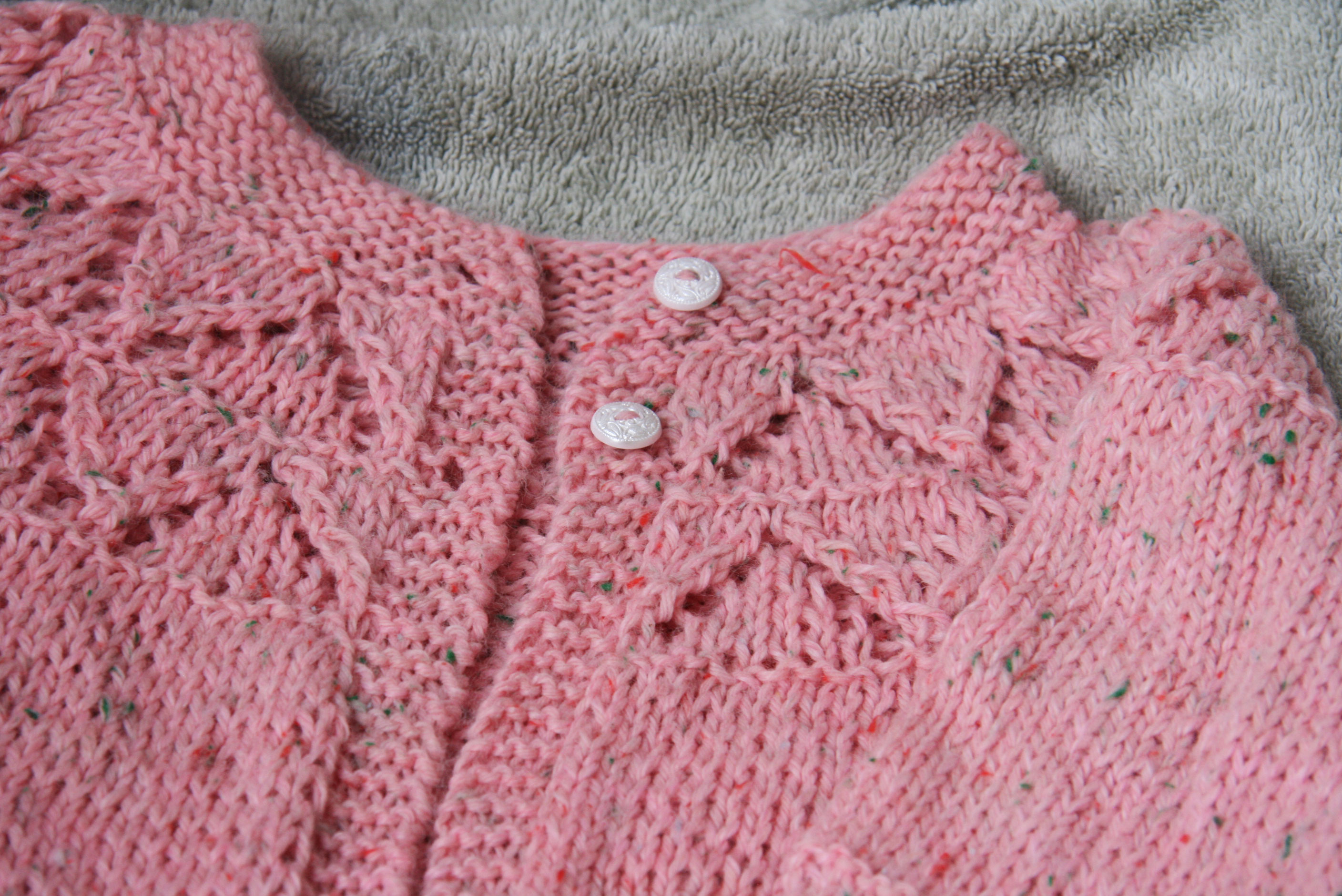 Simple Baby Cardigan Knitting Pattern : Knitting Baby Sweaters Cpeezers at Home