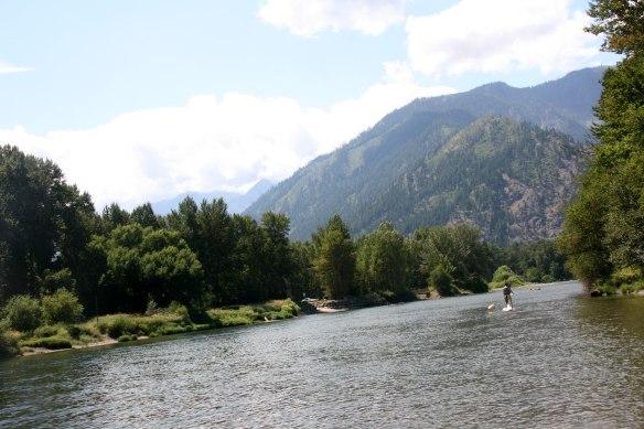 wenatchee-river-and-mountai