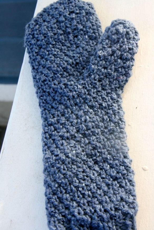 seed-stitch-mitten-back