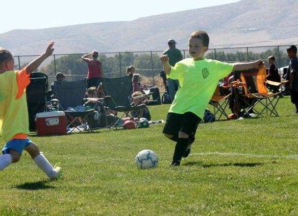 soccer-2014-kicking